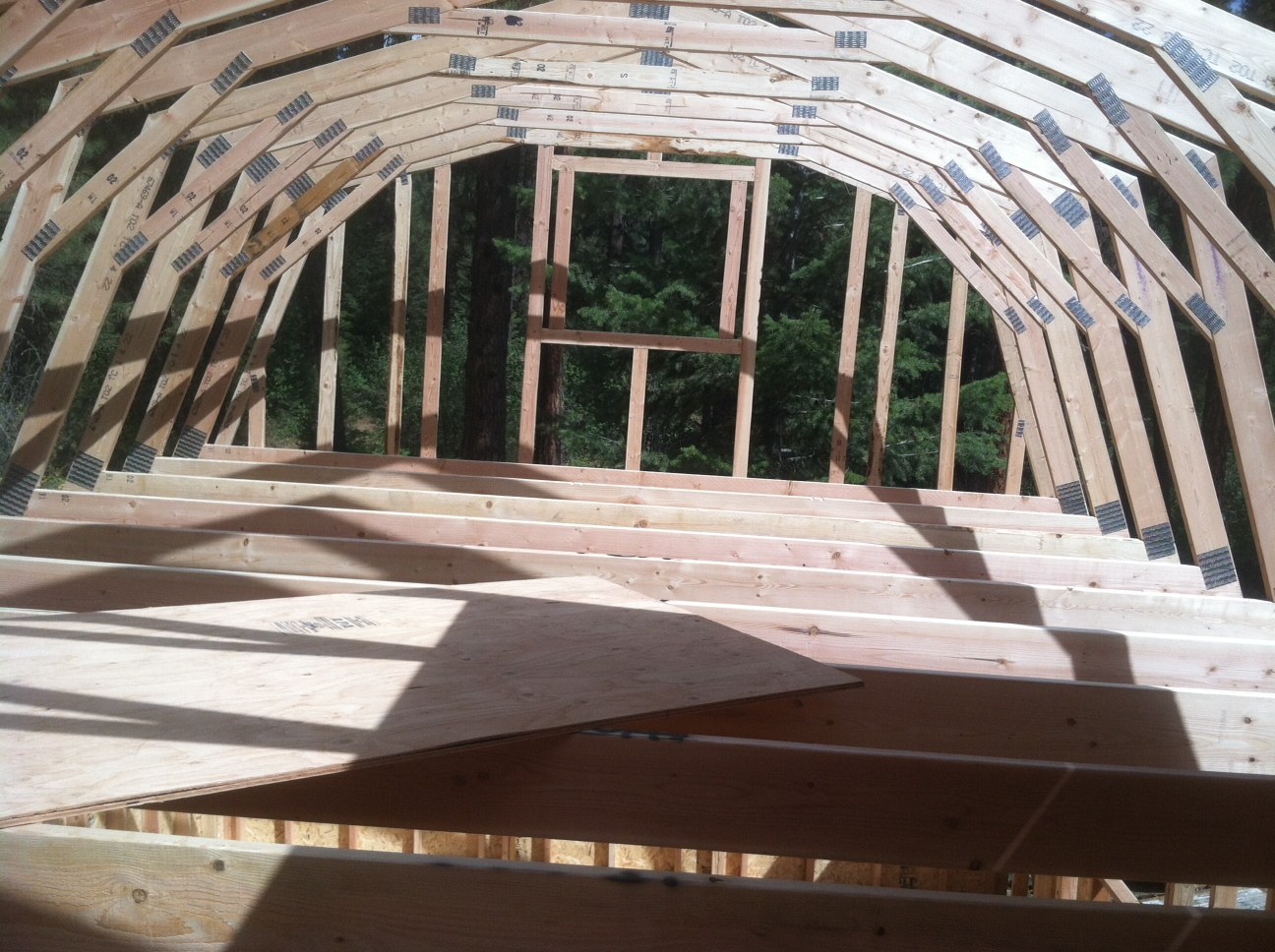how to build a 10 12 storage trusses